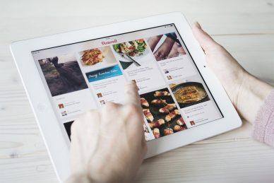 Pinterest-Style WordPress Themes