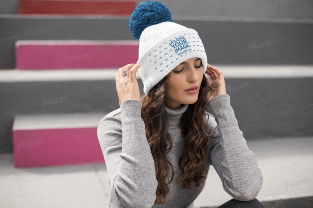 beanie mockup featuring a woman