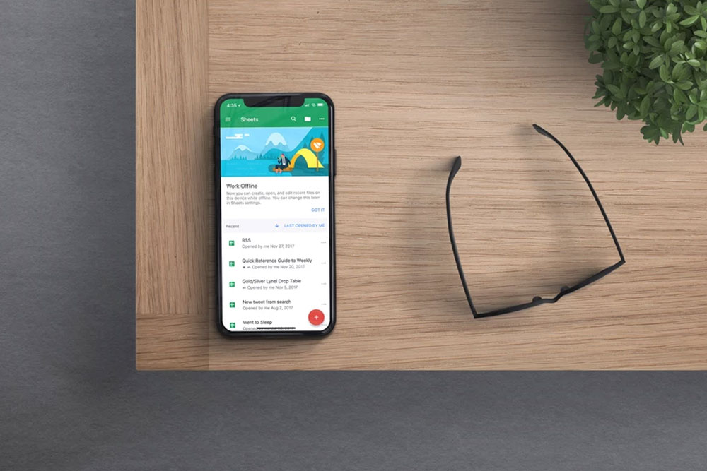 free iphone x mockup desk