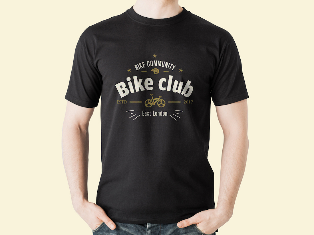 free round neck black t-shirt mockup psd