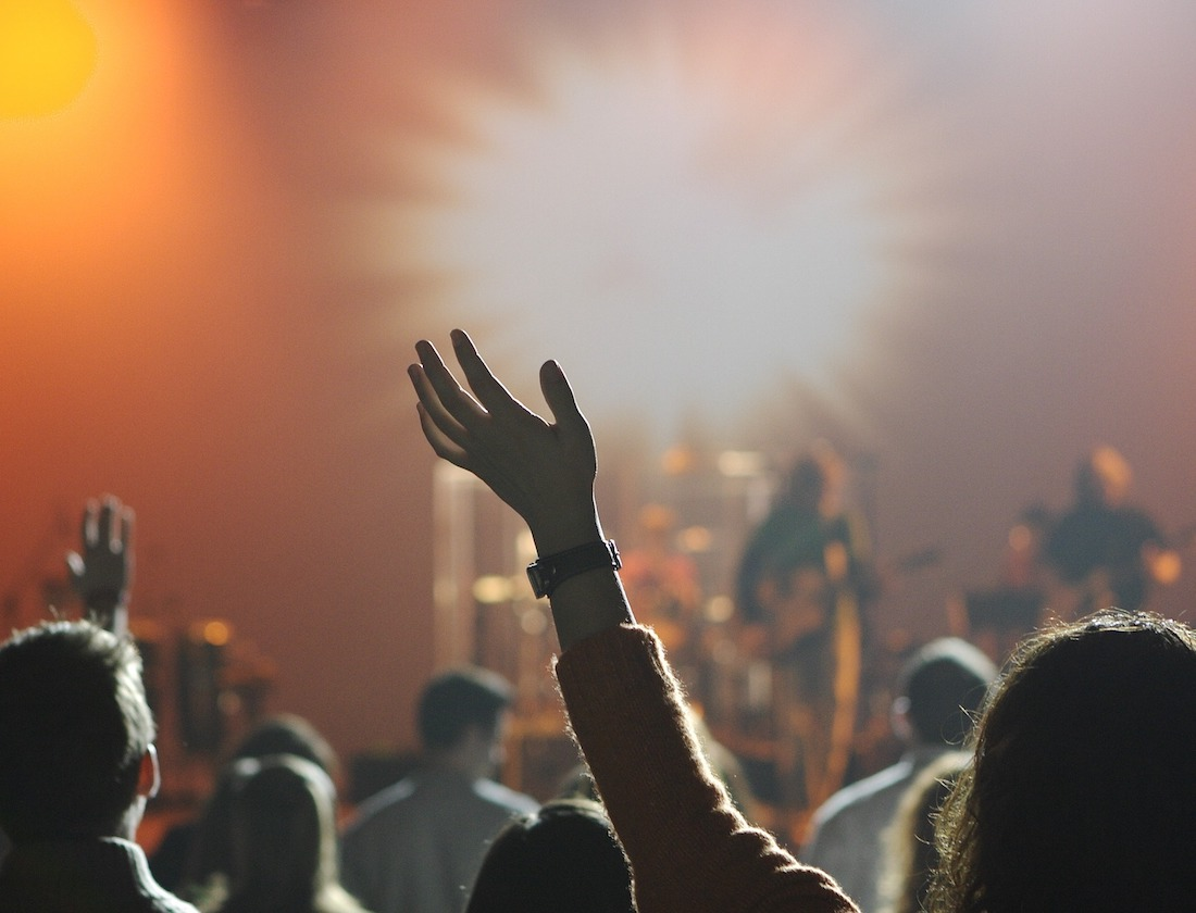 18 Best Stage Mockup Templates [Free & Premium] 2020