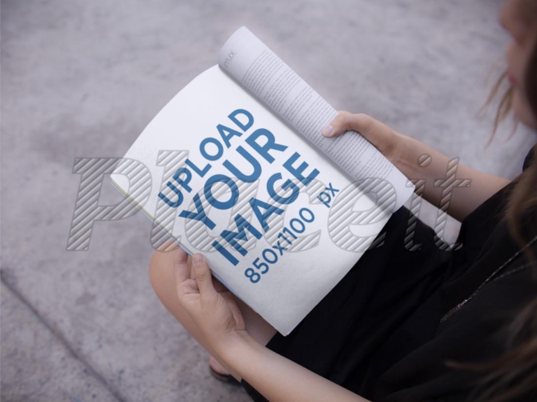 woman reading a magazine mockup PSD